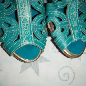 L'artiste flourish womens turquoiose shoes 6.5-7